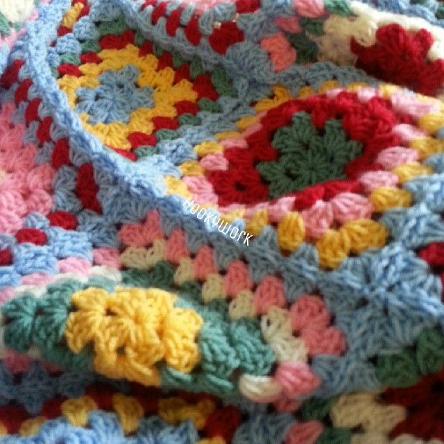 I love this blanket, it's possibly my favourite make so far. .but it looks like it is possibly leaving me to go to a new home...♥ #crochet #crochetblanket #crochetaddict #crochetmachine #specialstylecraft #stylecraftyarns #grannysquare #hookywork #handmade #craft #cathkidston #shabbychic #modernvintage