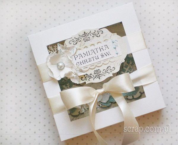 Pudełko ręcznie wykonane na Pamiątkę Chrztu Świętego z użyciem produktów Latarnia Morska: stempla, ćwieków, papierowych kwiatków.