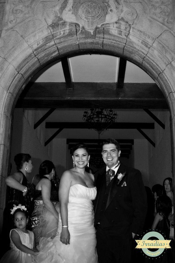 Mariana y Jame el día de su boda con Irradias fotografía