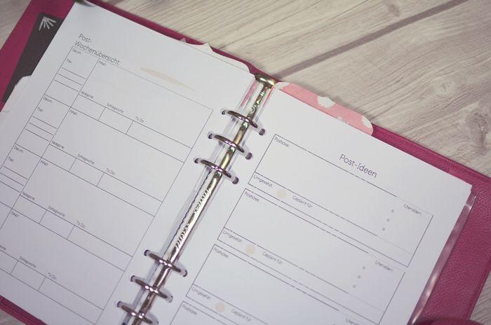 Blog Planner  http://www.glasschuh.com/2015/06/kreatives-filofax-blog-planer/