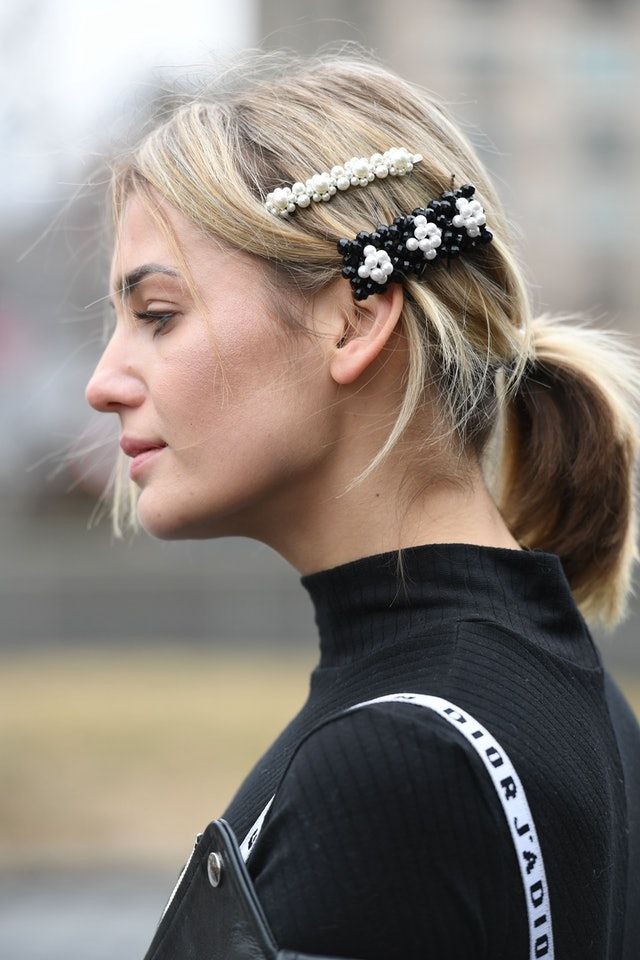 Street Style S Prettiest Accessory Trend Is Only 12 Hair Clips Fashion Week Hair Medium Length Blonde Hair