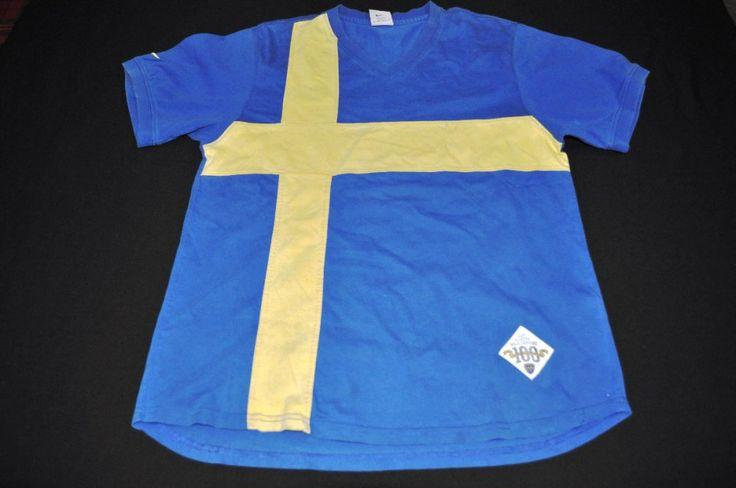 Camiseta con la Bandera de Suecia:  Realizada para homenajear a la bandera de la cual se tomaron los colores de Boca Juniors, del barco sueco.  Esta camiseta fue reeditada años después.
