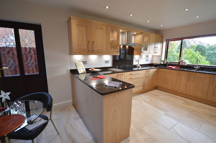 Traditional solid oak kitchen with granite tops