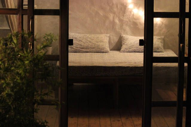 Lake View Room - Hauz Khas Village | Airbnb Mobile