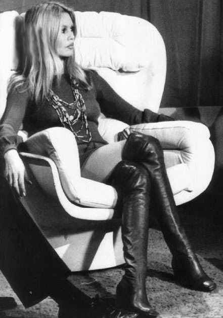 Brigitte Bardot. Love the mini + necklaces + those boots!: Bridgette Bardot, Bardot Style, Bridget Bardot, Leather Boots, Black Boots, Bardot Boots, 60S Fashion, Brigitte Bardot, Brigittebardot