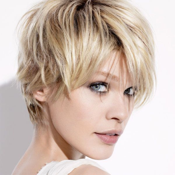 coupe courte cheveux raides femme – Recherche Google