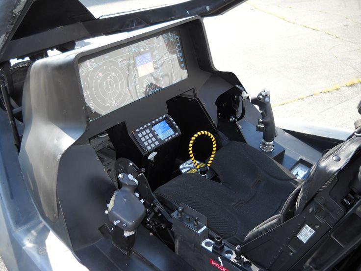Lockheed_Martin_F-35_Lightning_II_mock-up_instrument_panel.JPG (2048×1536)
