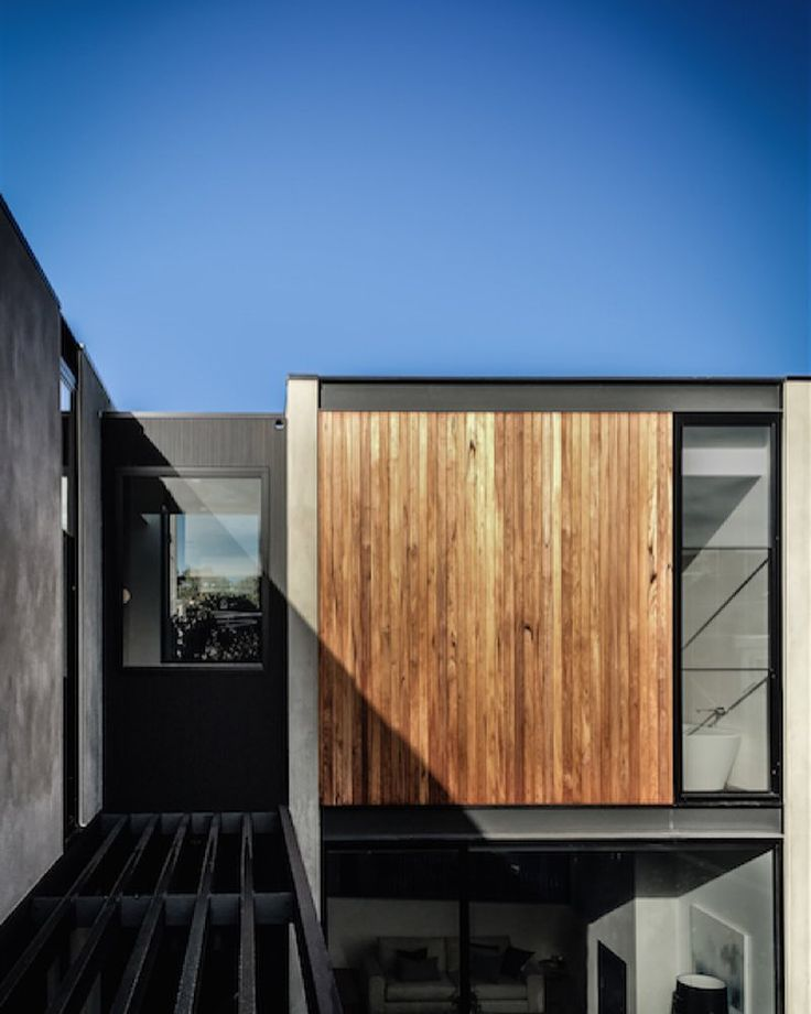 Located In The Bayside Suburb Of Brighton The Outer Crescent House By  @merryleesarchitect Features Strong