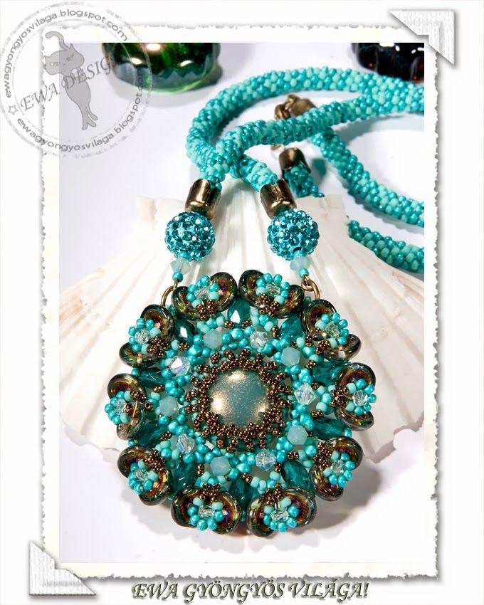 Floryta pendant   Free pattern here: http://ewagyongyosvilaga.blogspot.se/2014/03/floryta-medal-minta-floryta-pendant.html