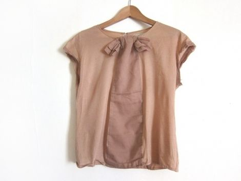 Je viens de mettre en vente cet article  : Top, tee-shirt Zara 8,00 € http://www.videdressing.com/tops-tee-shirts/zara/p-3264019.html?utm_source=pinterest&utm_medium=pinterest_share&utm_campaign=FR_Femme_V%C3%AAtements_Hauts_3264019_pinterest_share
