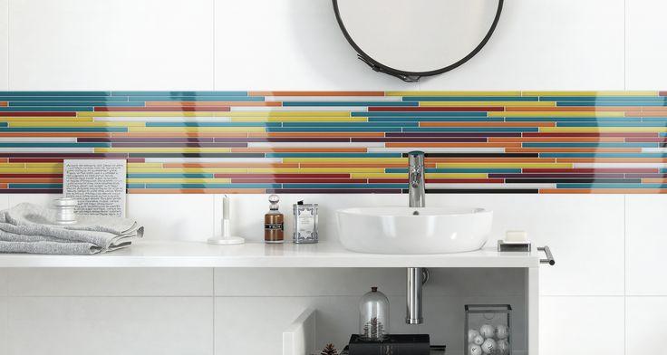 Jeśli kolor w łazience to tylko na białym tle. Dekoracje szklane - Opoczno.