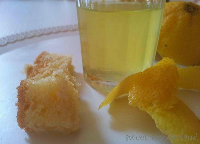 Lo sciroppo di limoncello bagna per pan di spagna serve a bagnare la base delle vostre torte per evitare che rimangano troppo asciutte.