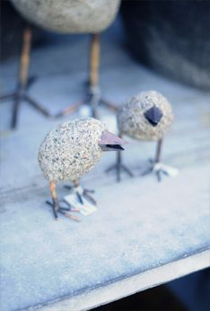 Concrete Birds... maybe I could use my leftover hypertufa mix to make these cuties!