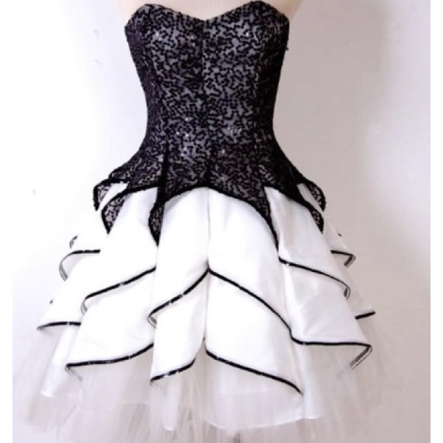 I am so getting this dress for homecoming next year.