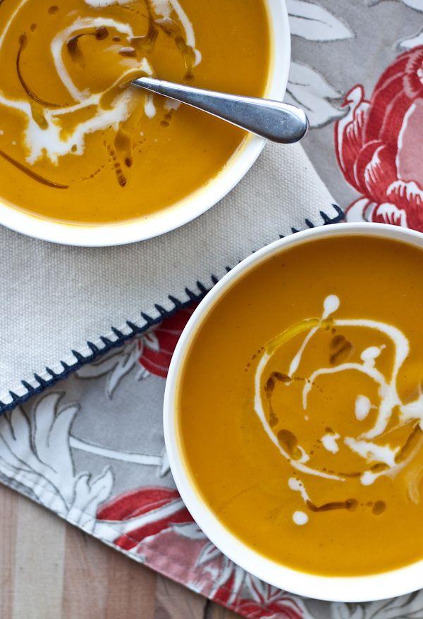Roasted Acorn Squash & Sweet Potato Soup | bloggingoverthyme.com