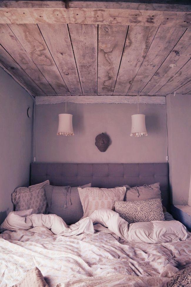 Att vara någons fru // bäddning // tine k lampa // bedroom