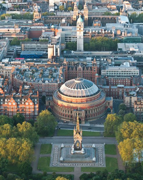 25 beste idee n over royal albert hall op pinterest for Door 8 royal albert hall