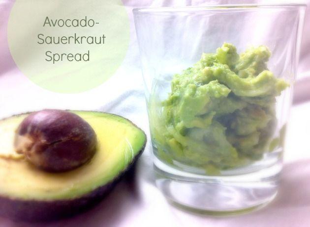 """LEVITTEISIIN: Avokado-hapankaalitahna - """"Raaka-aineita on vain kaksi + oman maun mukaiset mausteet. Helppoa, hyvin säilyvää ja maukasta!"""" (leeniviio)"""