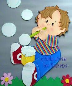 Niño pompas de jabón