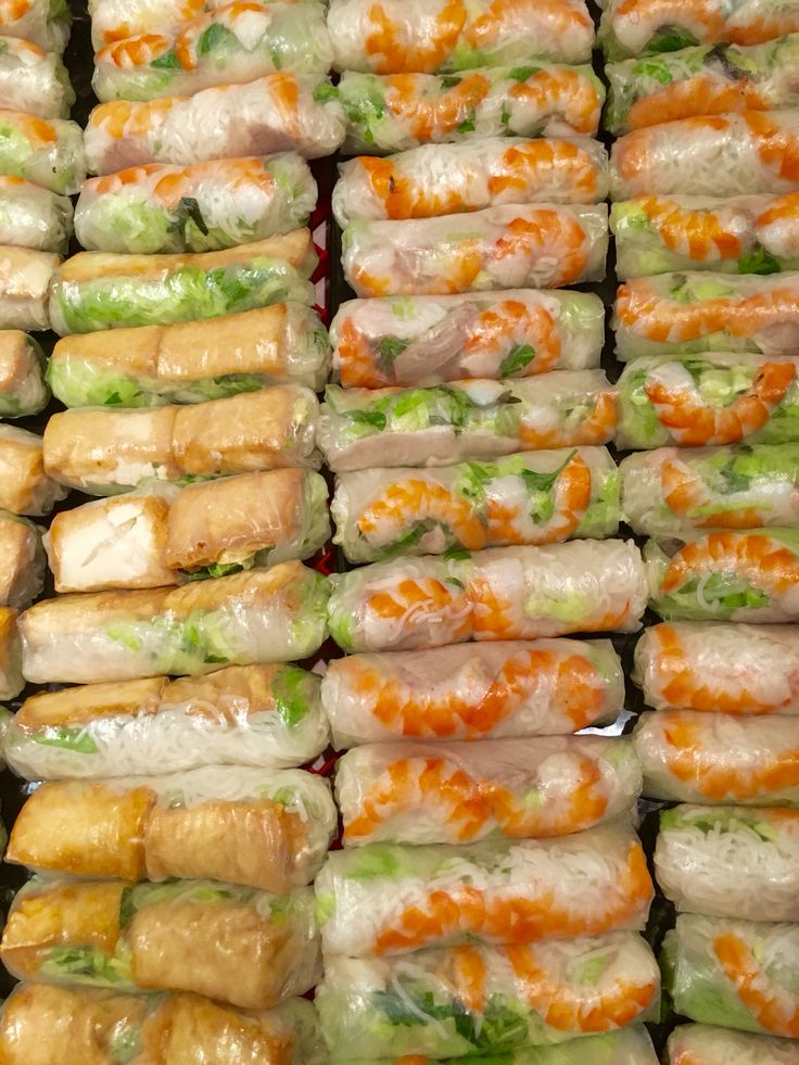 Popular Vietnamese Ricepaper Roll