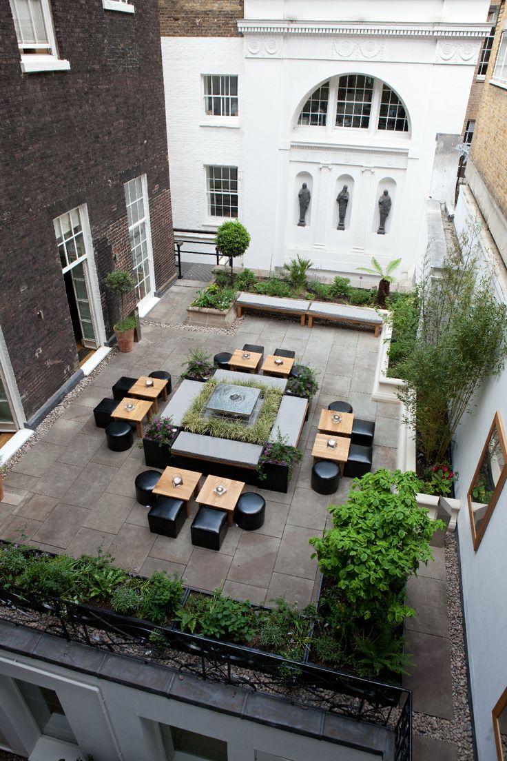 Chandos House garden, wedding garden or special party garden #specialevent #gardenparty #americanbbq