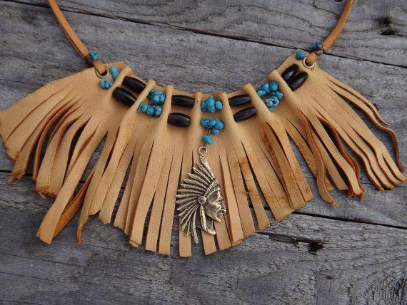 Collier Amérindien en cuir de cerf Franges. Chocker en cuir. Cuir de cerf choker. Collier Chef indien, Turquoise, Corne noire
