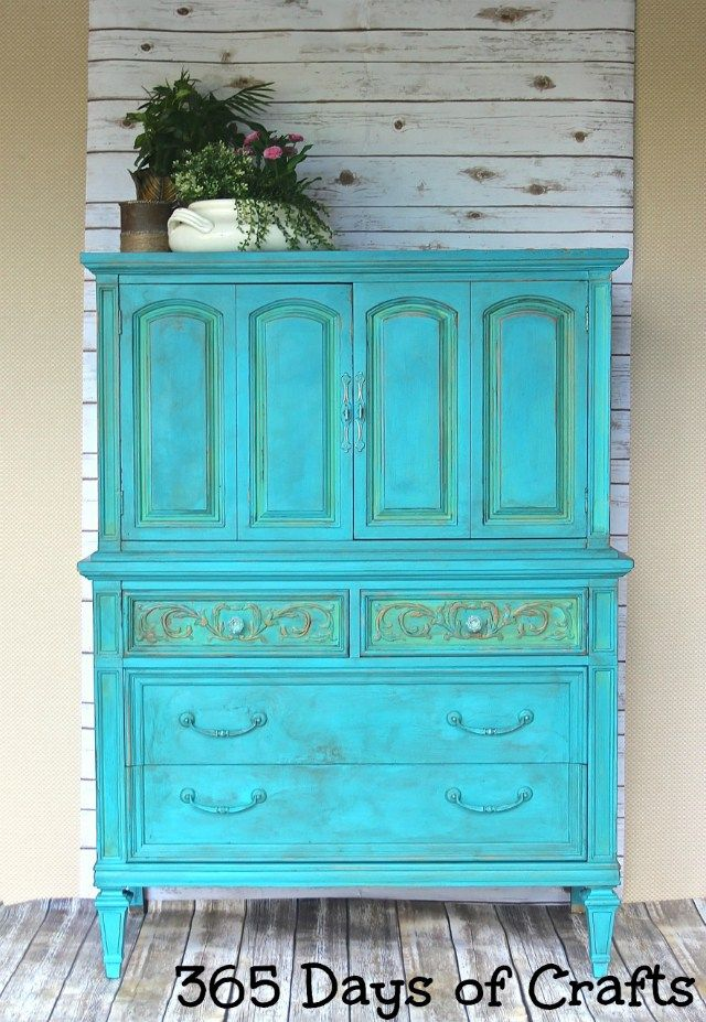 Learn how to redo furniture with chalk paint for a fabulous finish.  Get a french country chic or farmhouse chic look with a little paint.