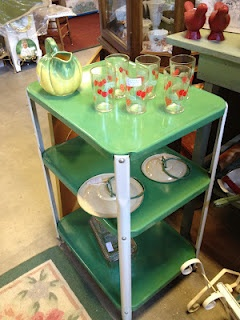C. Dianne Zweig - Kitsch 'n Stuff: Old Metal 1950s Utility Cart Great For Kitchens And Arts Studios