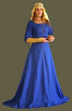 Link to a useful website on practical reenactment clothing.  http://www.squidoo.com/Medieval-Clothing-1