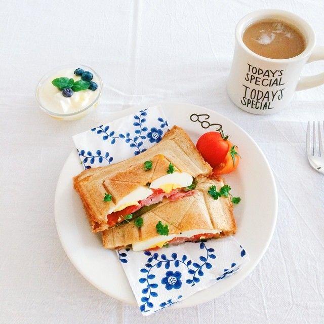 手軽に作れるサンドイッチですが、盛りつけや具材にひと工夫加えれば、印象がグッと良くなります。そんな、見た目に可愛く食べて美味しいサンドイッチを、Instagramを中心にいろいろまとめてみました!