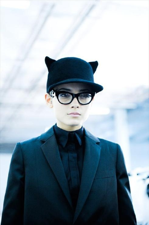 cat eyes: Cat Hats, Cat Eye, Cute Hats, Givenchy Womenswear, Fashion Inspiration, Accessories, Givenchy Cat, Cat Ears, Cat Lady