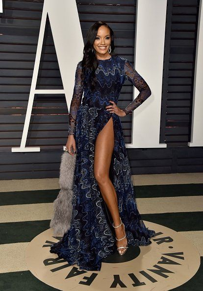 Selita Ebanks wore a #SemSem embroidered sheer gown with a high slit to the 2017 Vanity Fair Oscar Party. #Oscars https://www.instagram.com/p/BRCnT1Mhoud  The Fashion Court (@TheFashionCourt) | Twitter