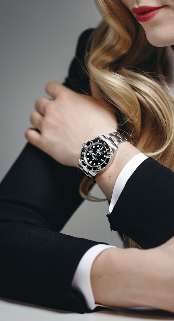 Lindsey Vonn – Rolex Testimonee, and one of the most successful female alpine ski racers in the world – seen here wearing a Rolex Submariner Date with effortless elegance.