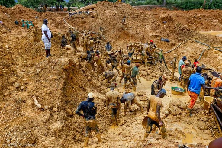 Hundreds of thousands, including many from China, are engaged in illegal artisanal mining. How can the government stop it? At the start of April, Ghana's [read more...]