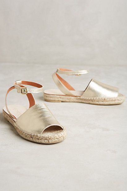These gold espadrilles are perfect for spring! #kissedbythesun #metallic