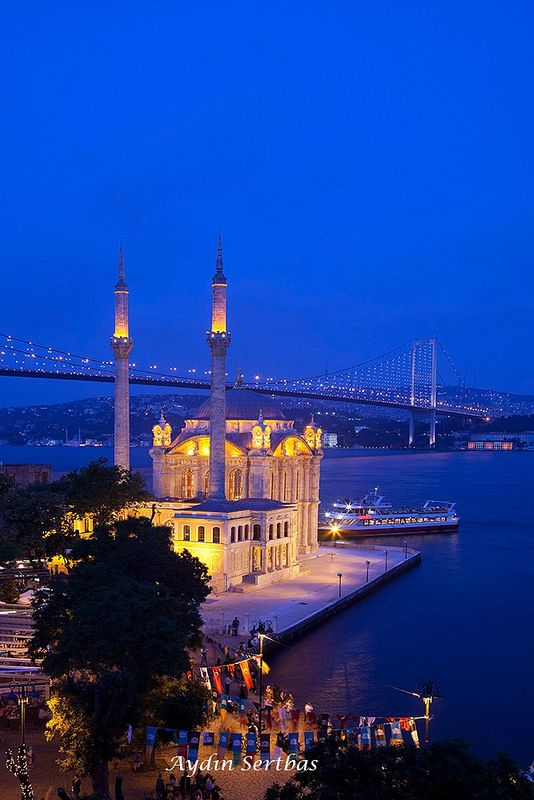 #Ortakoy #Mosque- Istanbul. http://reversehomesickness.com/asia/mosques-in-istanbul/
