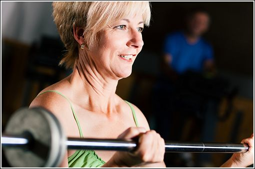 Studies have shown that weight lifting can help people with rheumatoid arthritis function better and reduce soreness, stiffness, and pain.Fit Body, Easy Healthy, Age Losangelesfit, Fit Brain, Fit Tips, Healthy Weights, Lose Weights Tips, Easy Weights, Lifting Weights