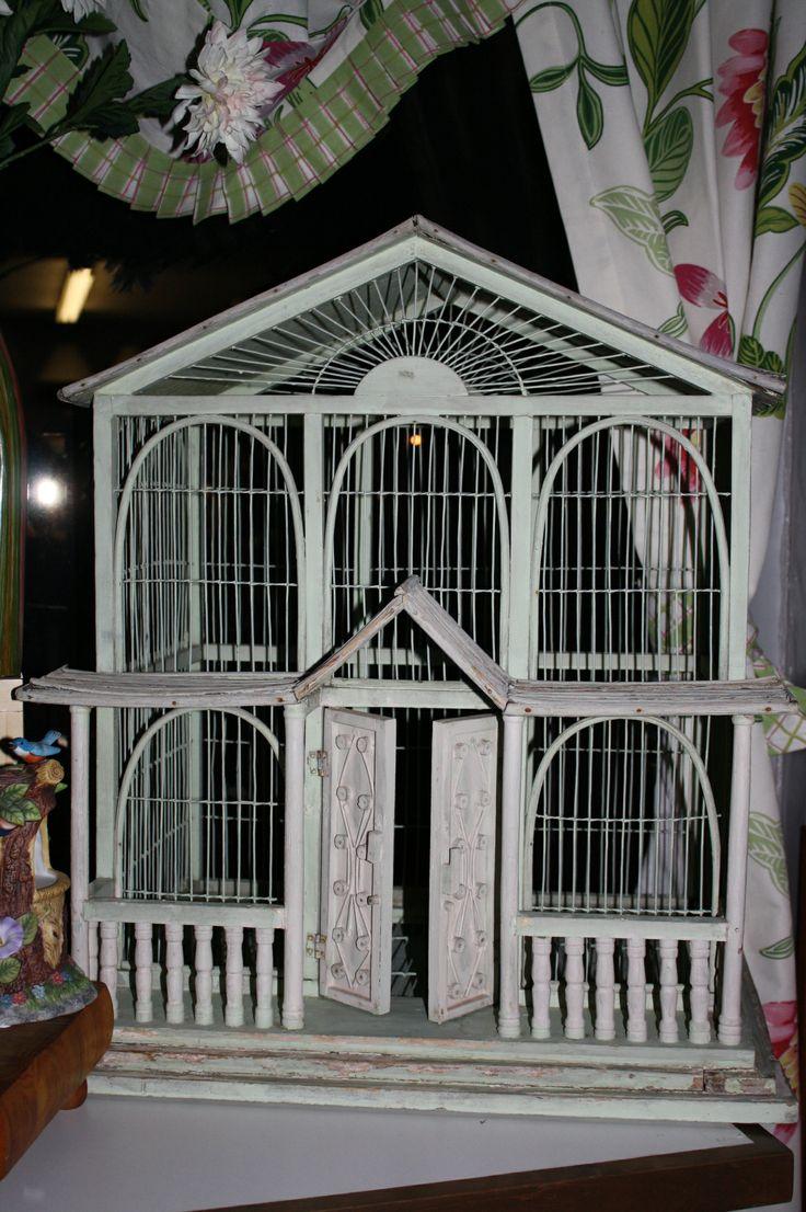 love this bird cage