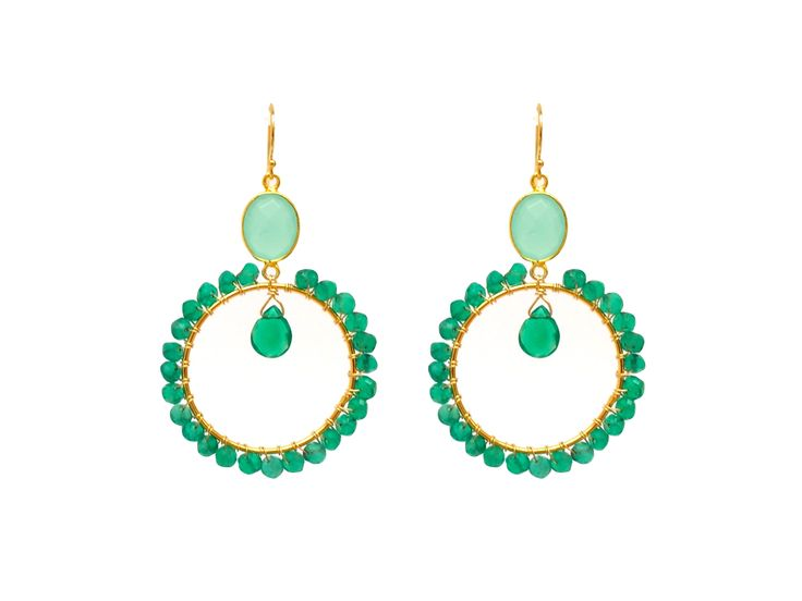 Oh les jolies créoles en or gold filled et onyx vert Madeinfamily Bijoux !  Beautiful gold and green onyx beads hoops earrings ! Made in Paris with  LVE ...