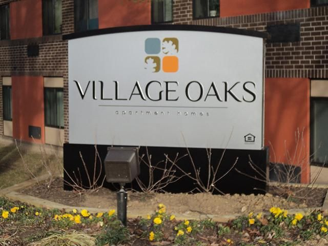Apartments in Catonsville Maryland | Photo Gallery | Village Oaks Apartments 815 Winters Lane Catonsville, MD 21228 410-747-1344