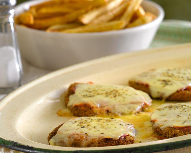 Milanesa de ternera napolitana con papas fritas