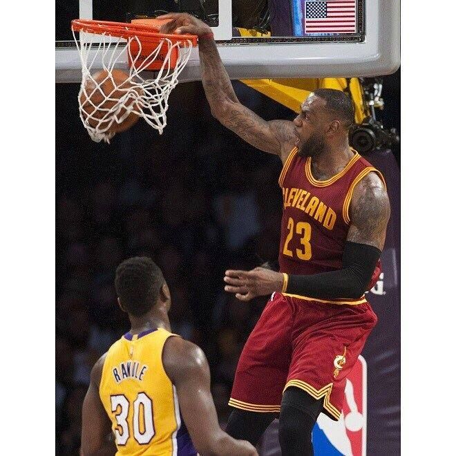 Can Cleveland add to their longest win streak over the Lakers in franchise history? The 45-23 Cleveland Cavaliers are back at Staples Center for the second night in a row. The Cavs have won five straight over the Lakers including both of the games at Staples since LeBron's return. With a win tonight the Cavs will clinch a playoff spot for the third straight year. #dhtk #repre23nt #donthatetheking http://ift.tt/2n4ViUi