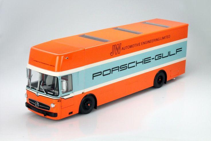 CK-Modelcars - 450032200: Mercedes-Benz O 317 Porsche Gulf Renntransporter Baujahr 1968 1:18 Schuco, EAN 4007864603220