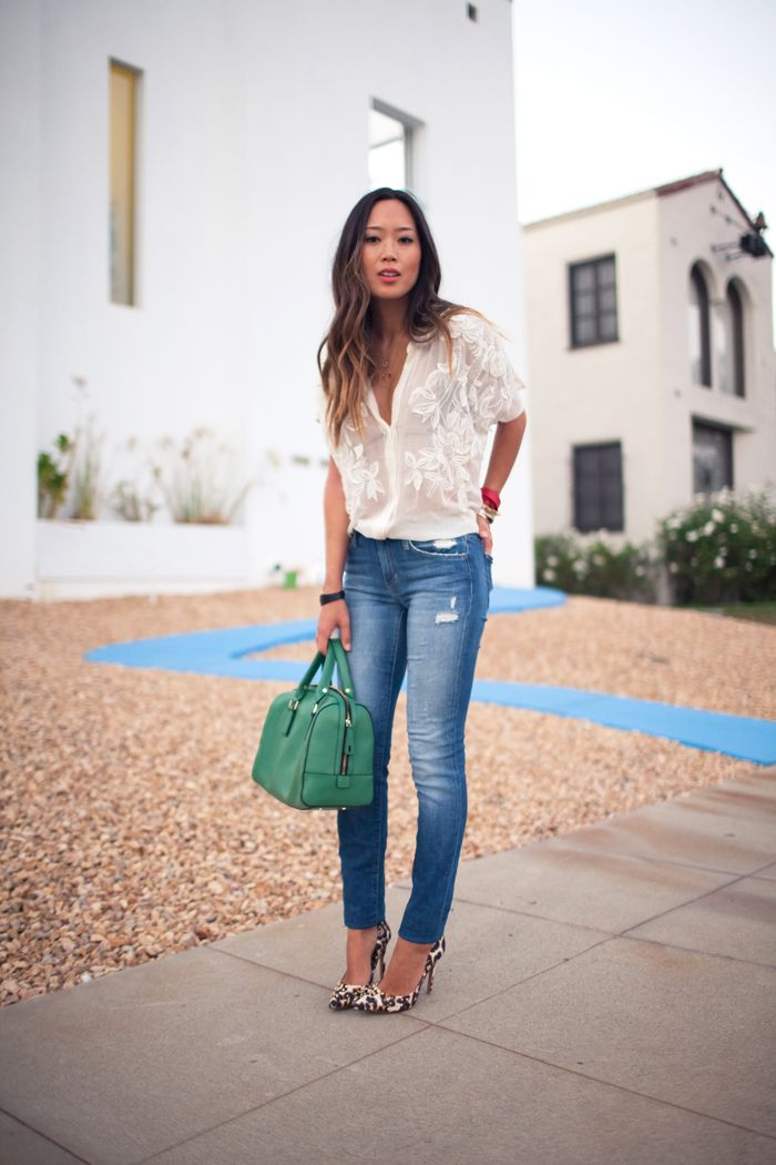 Flowy white shirt denim skinny jeans kelly green doctor for White pants denim shirt
