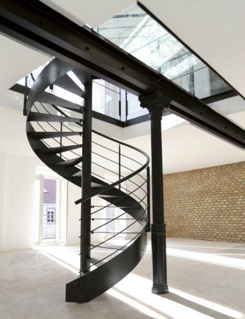 les 25 meilleures id es concernant escalier h lico dal sur. Black Bedroom Furniture Sets. Home Design Ideas