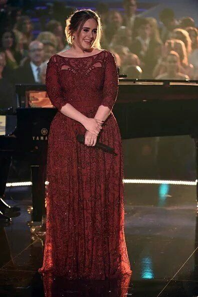 Adele performing at 'The Grammy Awards 2016'