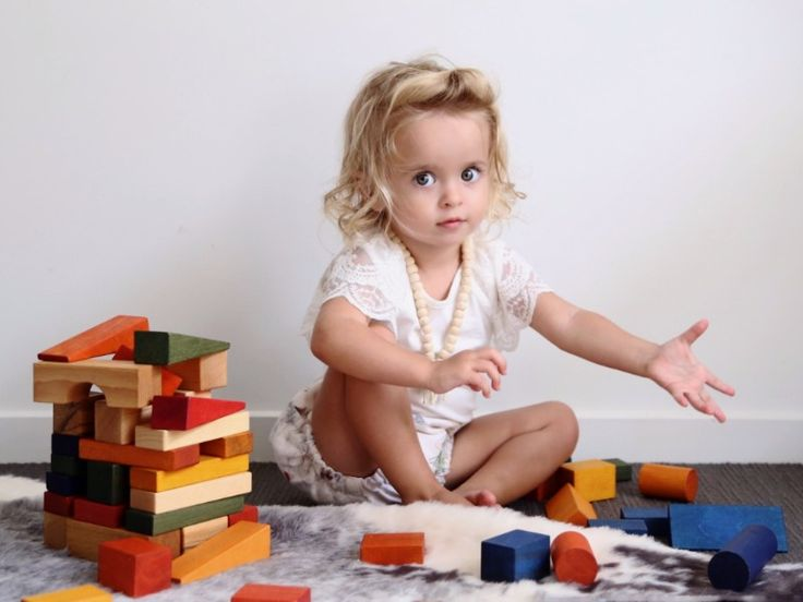 Freedom in creation stimulates inventiveness, awakes imagination. Wooden Story toys improve senses, they are soft to the touch, they catch your eye with natural colours and they smell of wood. With wooden blocks you can conjure the most amazing buildings...and photos! (image: @allaboutisla) http://buff.ly/2pjdvR4?utm_content=buffer4d182&utm_medium=social&utm_source=pinterest.com&utm_campaign=buffer