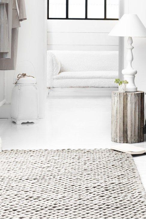 Chunky knit wool rug + fenêtre noir acier
