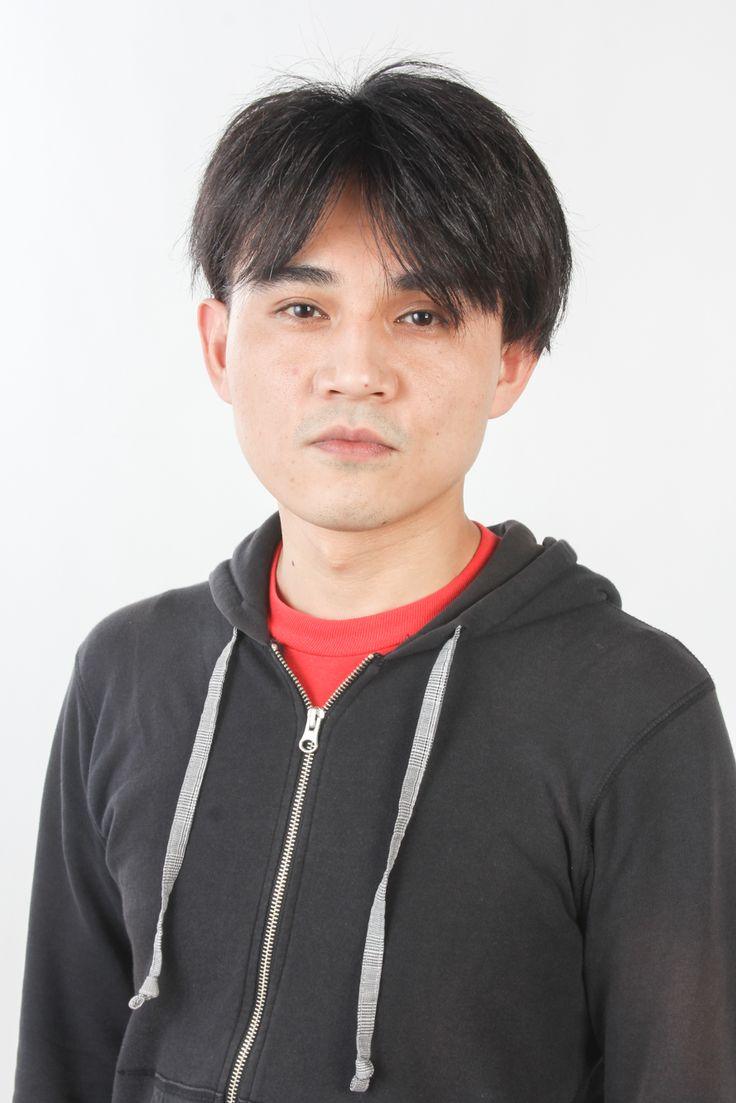 ゲスト◇飯塚俊光(Toshimitsu Iizuka)1981年生まれ、神奈川県出身。ニューシネマワークショップで映画制作を学ぶ。12年、伊参スタジオ映画祭にて『独裁者、古賀。』がシナリオ大賞を受賞。同作を映画化し、福岡インディペンデント映画祭2014、PFFアワード2014、第8回田辺弁慶映画祭など様々な映画祭で高く評価され、15年7月から劇場公開される。また、文化庁委託事業「ndjc:若手映画作家育成プロジェクト2014」に選出され『チキンズダイナマイト』を監督する。16年は、FILM5プロジェクト『スクラップスクラッパー』、そして本作と製作が相次ぐ。