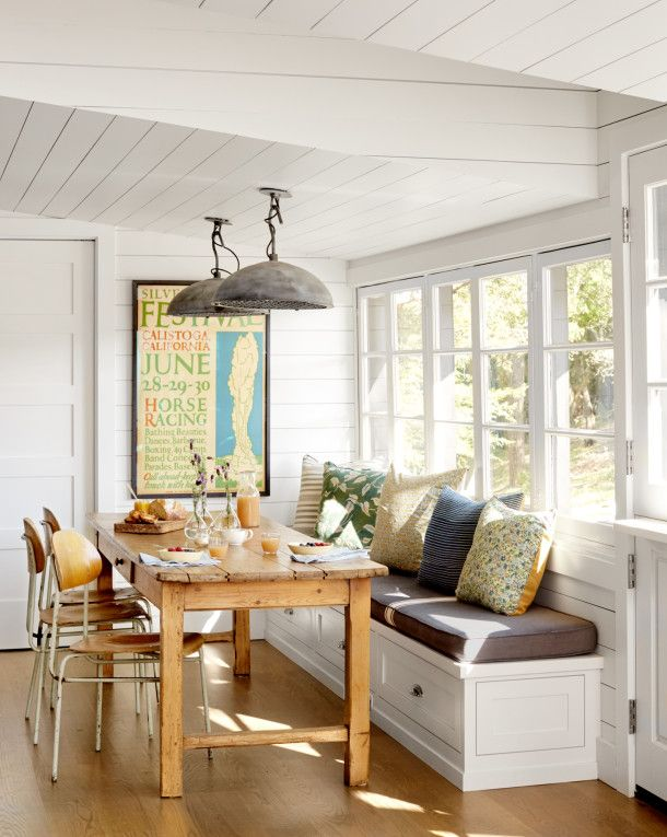 Eclectic California Cottage Breakfast Area With Built In Bench
